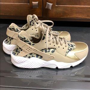 Nike cheetah Huaraches